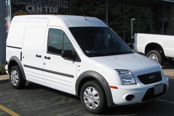 FORD TRANSIT CONNECT (2fő)